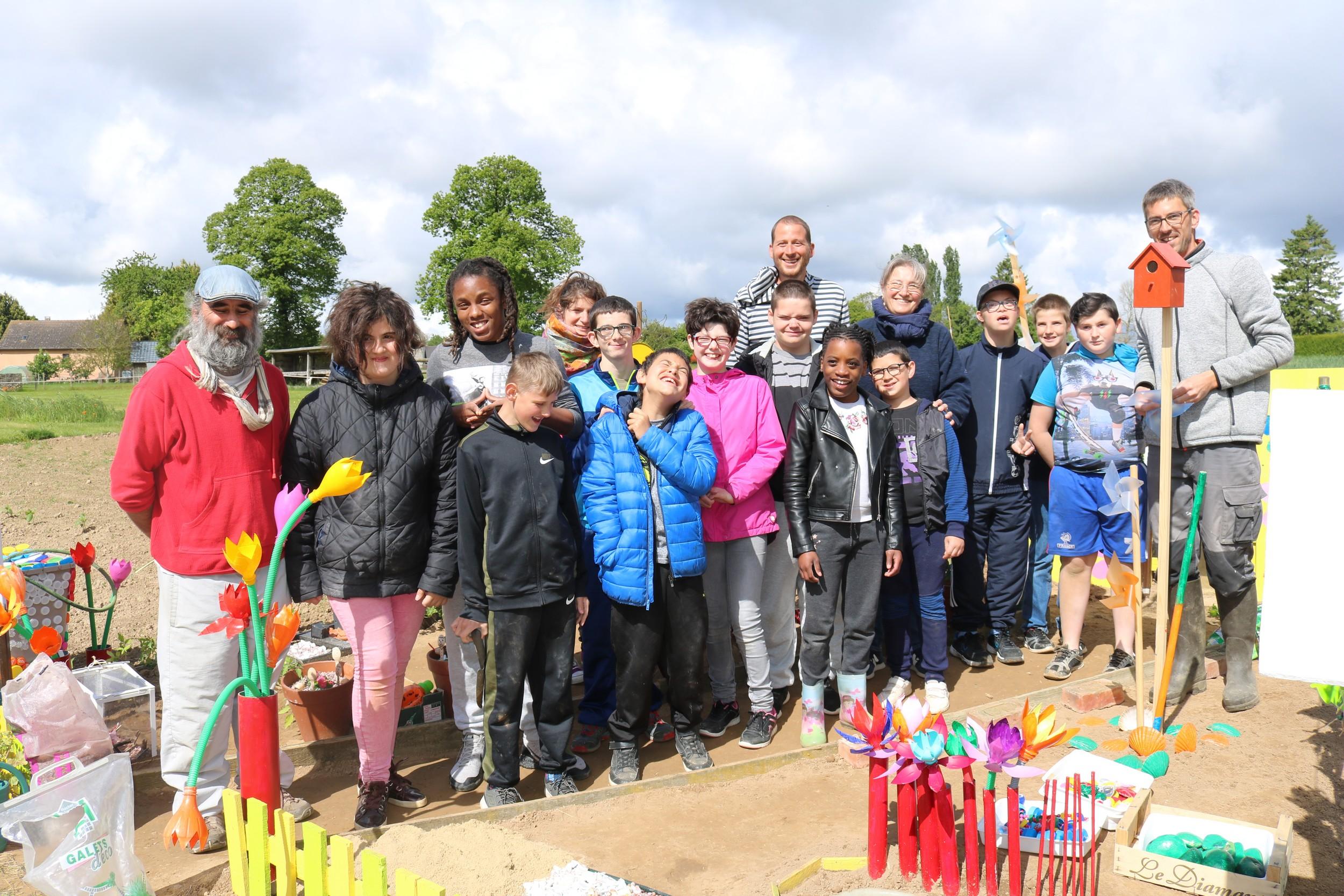 Drôles de jardins à saint-Fraimbault : les enfants de l'IME la Passerelle en lice