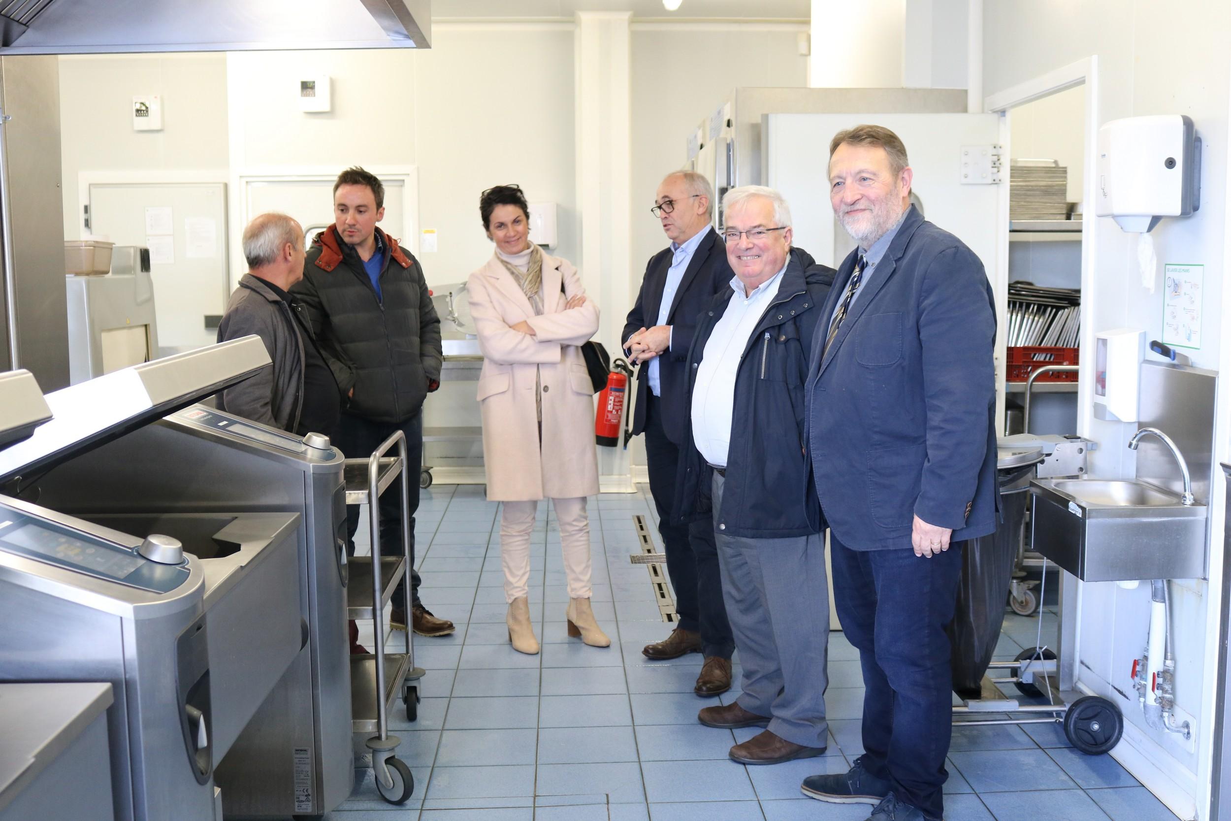 Le 7 novembre 2019 à Alençon, l'Adapei de l'Orne a inauguré la nouvelle ligne de self de sa cuisine centrale, l'UCPR d'Adap'Entreprise 61